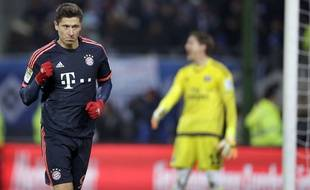 Robert Lewandowski fête un but lors du match entre le Bayern Munich et Hambourg.