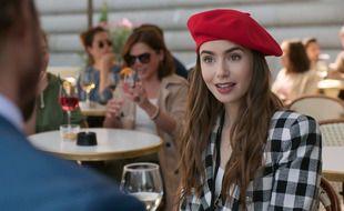 L'actrice Lily Collins dans la série «Emily in Paris»