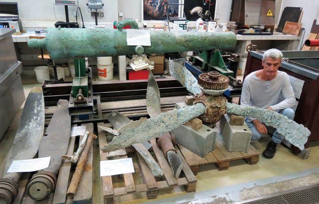 Arc'Antique intervient parfois sur des très gros objets, comme ceux-ci découverts sous la mer.