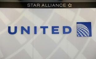 Les mécaniciens de United Airlines ont rejeté à une large majorité un projet d'accord salarial proposé par la compagnie aérienne américaine, ouvrant la porte à un grève, a annoncé mardi leur syndicat