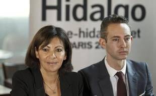 Anne Hidalgo et Ian Brossat lors d'une conférence de presse à Paris le 22 octobre 2013.