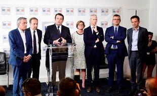 Le groupe des «constructifs» Les Républicains-UDI, avec le député Thierry Solère au centre, le 21 juin 2017 à l'Assemblée nationale