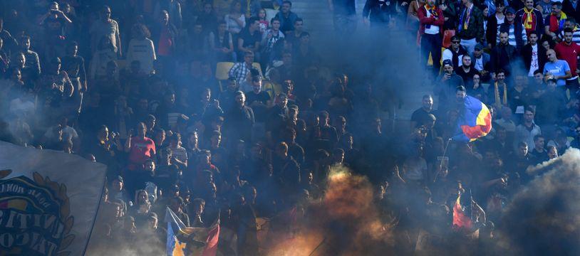 Les supporters roumains lors de Roumanie-Serbie.