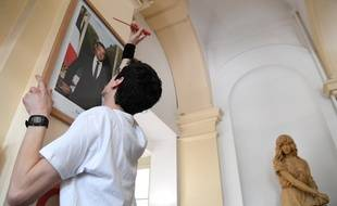 Les six décrocheurs de portraits, condamnés par la justice, seront rejugés en appel à Lyon le mardi 29 octobre.