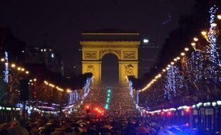Quelque 300.000 personnes ont fêté le Nouvel An dans la nuit sur les Champs-Elysées et 40.000 autres au Champ de Mars et au Trocadéro