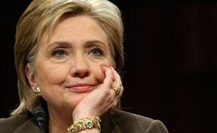 La nomination d'Hillary Clinton au poste de secrétaire d'Etat du président élu Barack Obama a été validée jeudi par la commission des Affaires étrangères du Sénat américain
