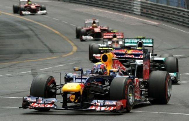 16H52 - FIN DE NOTRE DIRECT SUR LE GP DE MONACO - L'Australien Mark Webber s'impose dans la 70e édition, son deuxième succès dans la Principauté après 2010. Il devancel'Allemand Nico Rosberg (Mercedes) et l'Espagnol Fernando Alonso (Ferrari).