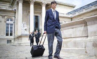 Francois de Mazières, nouveau député, arrive à l'Assemblée nationale le 19 juin 2012.