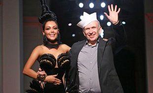 Nabilla et Jean-Paul Gaultier lors de la Fashion Week de Paris le 3 juillet 2013