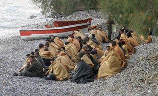 Quelque 131 migrants irréguliers ont été secourus mardi au large de la Crète alors que l'embarcation sur laquelle ils se trouvaient menaçait de prendre l'eau, a-t-on appris auprès de la police portuaire.
