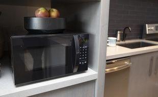 Amazon a dévoilé un micro-ondes capable de communiquer avec son assistant Alexa.