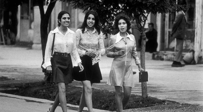 Des Afghanes plus libres dans les années 1970? Pourquoi cette photo  d'étudiantes à Kaboul ne le prouve pas