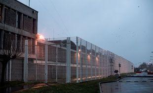 Entrée de la Maison d'arrêt de Fleury-Merogis, le plus grand établissement pénitentiaire d'Europe.