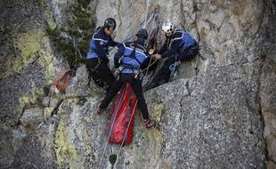 Une intervention des membres d'un peloton de gendarmerie de haute-montagne.