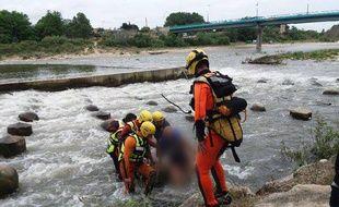 L'intervention d'une équipe spécialisée en eaux vives a été nécessaire pour secourir les trois victimes