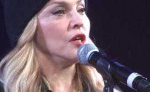 Madonna introduit les Pussy Riot àNew York, le 5 février 2014.