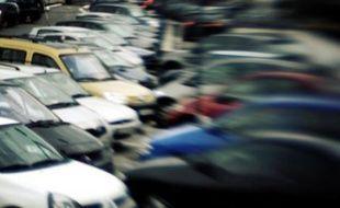 """La filière automobile française doit se préparer à un """"recul significatif"""" de ses ventes en fin d'année, reconnaît le gouvernement, qui préfère prendre les devants en débloquant de nouvelles aides pour amortir le choc pour les sous-traitants du secteur."""