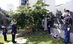 """François Hollande a reconnu à son tour dimanche que l'arrestation de milliers de juifs lors de la rafle du Vél d'Hiv, en juillet 1942, était un """"crime commis en France, par la France"""", et a salué le """"courage"""" de Jacques Chirac, premier président à l'avoir affirmé."""