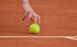 Balle de tennis. Photo d'illustration.