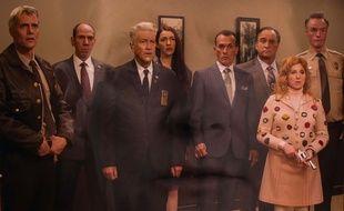 David Lynch au milieu des acteurs de la saison 3 de Twin Peaks