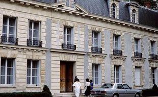Photo d'archive, datant du 12 septembre 1984, du château de Hardricourt de la famille de Jean-Bedel Bokassa.