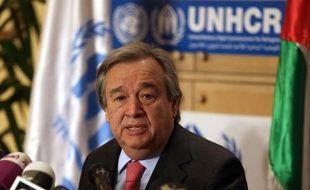 L'ONU a exhorté mercredi la communauté internationale à débloquer massivement des fonds pour aider un million de réfugiés syriens ayant fui le conflit dans leur pays, une ONG dénonçant de son côté le recours aux enfants comme soldats ou boucliers humains.