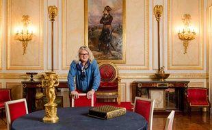 Le collectionneur Pierre-Jean Chalencon, dans le Palais de Vivienne à Paris le 15 décembre 2020.