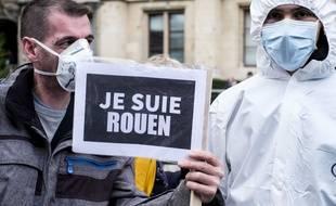Des manifestants à Rouen, le 1er octobre.