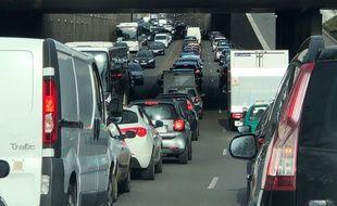 Illustration d'embouteillages à Lyon.