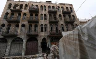 Un immeuble devasté dans la vieille ville de Alep en Syrie, le 6 décembre 2014