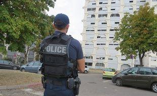 La police nationale est équipée de pistolets à impulsion électrique depuis 2006 en France.