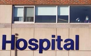 La devanture d'un hôpital anglais. (illustration)