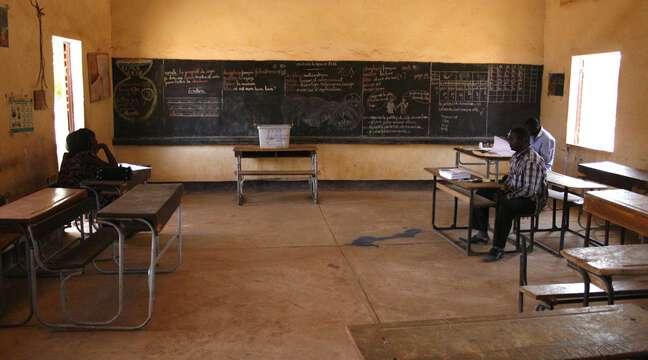 Un incendie dans plusieurs classes tue une vingtaine d'écoliers à Niamey