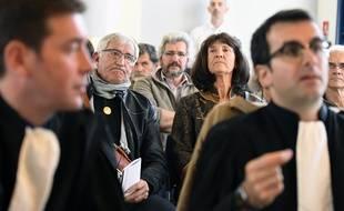 Julien Durand et Françoise Verchère (au second plan) déçus par l'arrêt de la cour administrative d'appel de Nantes.