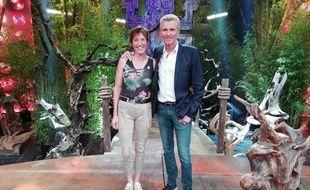 Denis Brogniart et Maud, la gagnante de la vingtième saison de «Koh-Lanta»