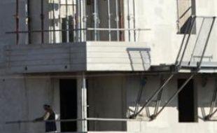 Des travailleurs sur un chantier de construction de logements neufs, à Toulouse en 2010