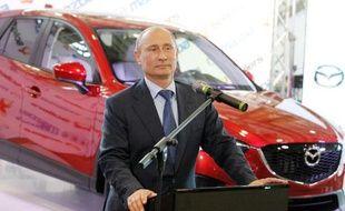 Les ventes de voitures en Russie, deuxième marché automobile en Europe, ont chuté de 5,5% en 2013 après une année 2012 record, selon des chiffres annoncés mercredi par la fédération professionnelle AEB.