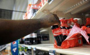 Le géant américain des boissons non-alcoolisées Coca-Cola a suspendu une grande partie de sa production au Venezuela faute de sucre