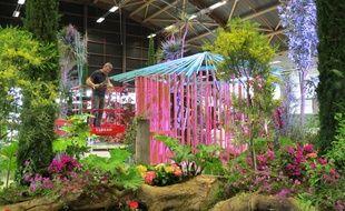 Préparation d'un tableau végétal pour les Floralies internationales à Nantes.
