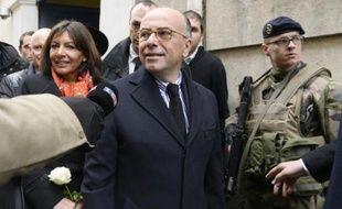 Le ministre de l'intérieur Bernard Cazeneuve le 12 janvier à Paris, après la visite d'une école juive de la rue des Rosiers