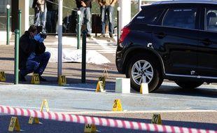 Des policiers sur les lieux du crime à l'aéroport de Bastia
