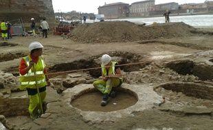 Des fouilles archéologiques sur les berges de la Garonne. Archives