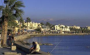 Le bord de mer à Chypre.