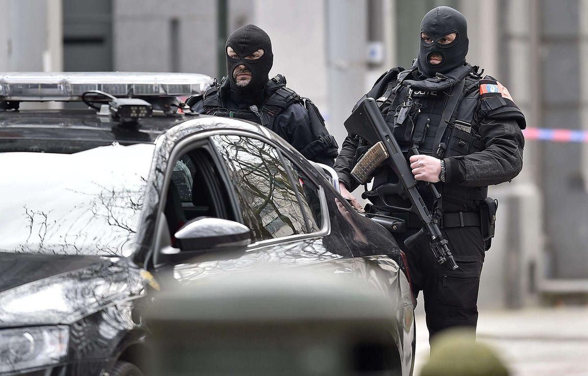 Les forces spéciales à Bruxelles le 22 mars 2016 alors que des attentats ont eu lieu dans la matinée. – Martin Meissner/AP/SIPA