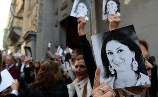 Six mois après l'assassinat de la journaliste et blogueuse maltaise Daphne Caruana Galizia, 45 journalistes du monde entier ayant repris son travail d'enquête sur la corruption