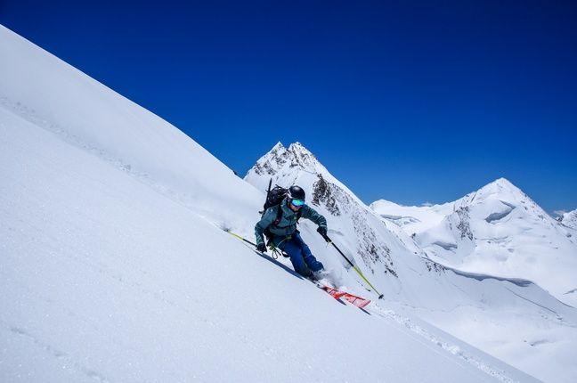 Maxime Buffet est le premier skieur a avoir dévalé le Tharang II en Inde.