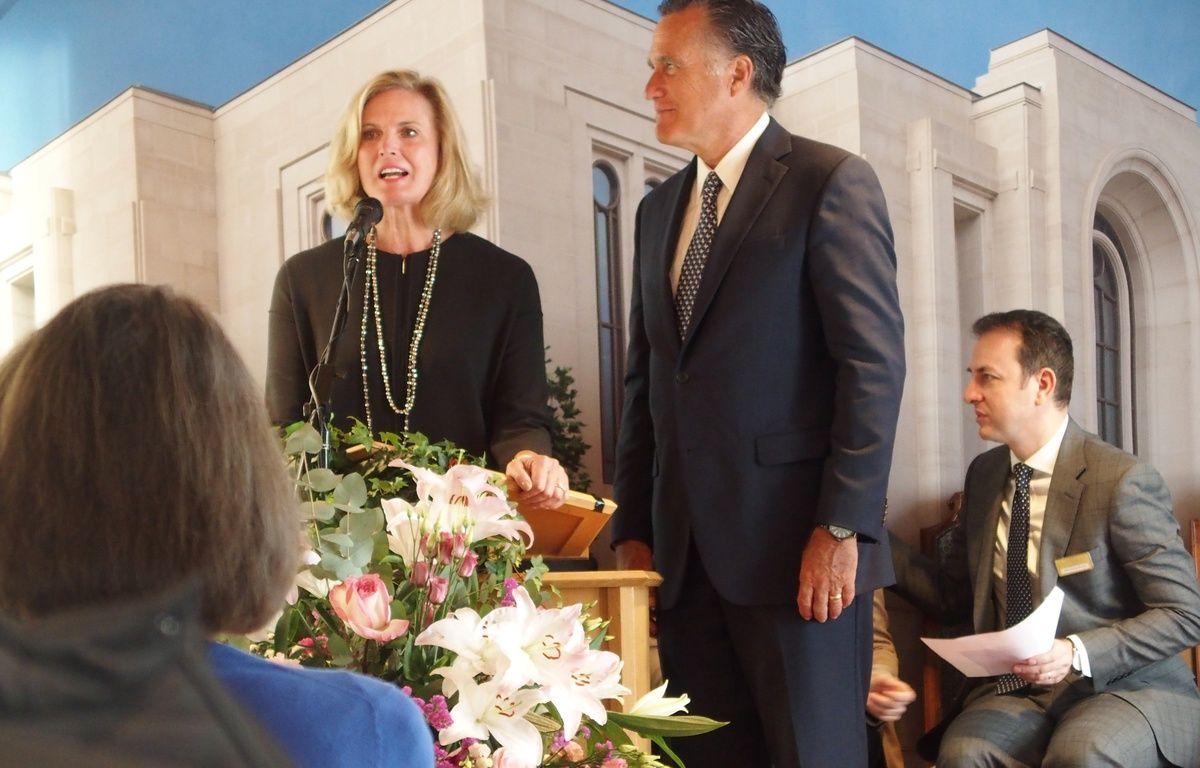 Le Chesnay, le 7 avril 2017. Mitt Romney et sa femme Ann, un couple américain mormon, prêt à se présenter  une deuxième fois aux présidentielles en 2020. – C.ANGER