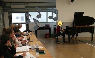 Un jeune pianiste passant l'audition de «Prodiges», le 26 avril.