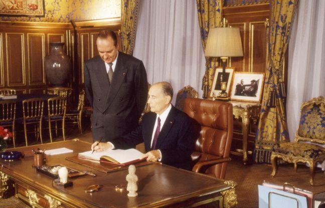 Jacques Chirac, alors maire de Paris, et François Mitterrand, alors président de la République, à la mairie de Paris le é' août 1994