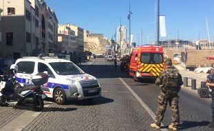 Le secteur du Vieux-Port a été bouclé ce 21 août, après l'interpellation d'un homme soupçonné d'avoir foncé sur des abribus.